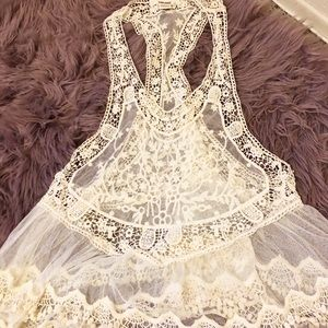 Tops - NWOT cream lace cover top